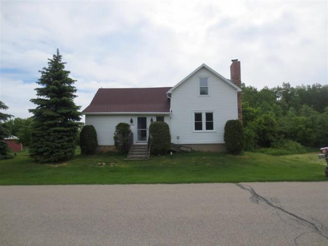 5204 Ball Park Road, Little Suamico, WI 54141 (#50185039) :: Dallaire Realty