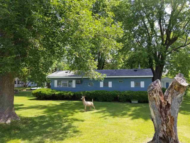 7181 La Belle Shore Road, Winneconne, WI 54986 (#50185201) :: Todd Wiese Homeselling System, Inc.