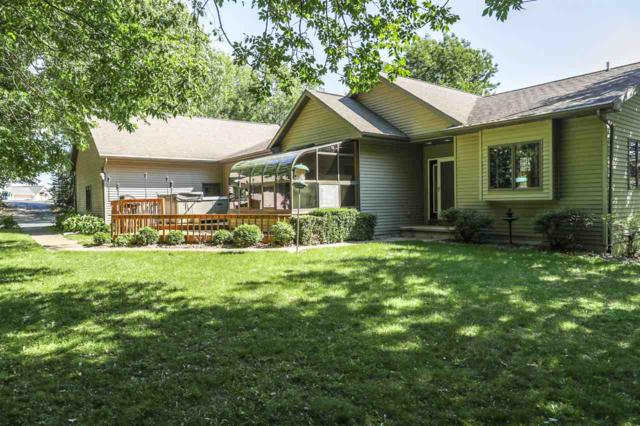 W7597 Highview Court, Shiocton, WI 54170 (#50185383) :: Dallaire Realty