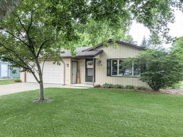 1318 Sandhill Drive, Green Bay, WI 54313 (#50185399) :: Symes Realty, LLC