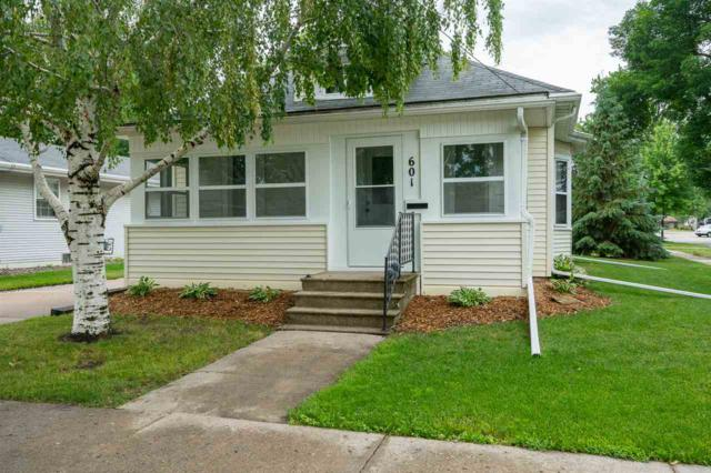 601 5TH Street, Menasha, WI 54952 (#50185459) :: Symes Realty, LLC
