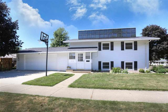 2114 E Forest Street, Appleton, WI 54915 (#50185465) :: Dallaire Realty