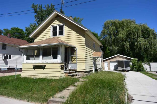 104 S Lake Street, Neenah, WI 54956 (#50185515) :: Dallaire Realty