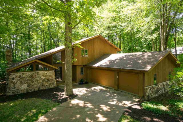 2441 Forest Manor Court, Neenah, WI 54956 (#50185533) :: Dallaire Realty