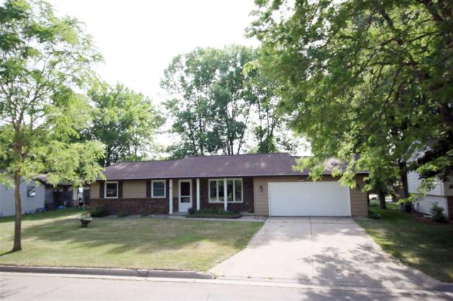 1230 Sandstone Place, Green Bay, WI 54313 (#50185569) :: Dallaire Realty