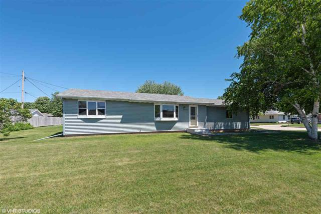 335 Thomas Court, Neenah, WI 54956 (#50185619) :: Dallaire Realty