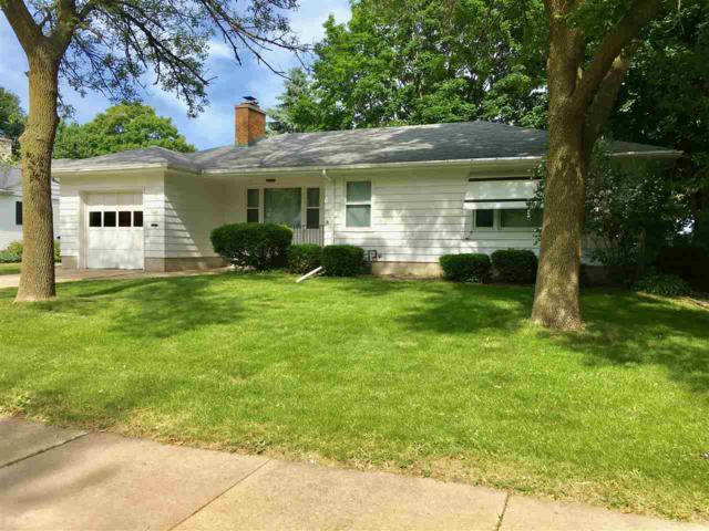 1114 Bowen Street, Oshkosh, WI 54901 (#50185637) :: Symes Realty, LLC