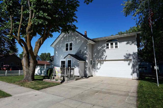 108 S Oak Avenue, Gillett, WI 54124 (#50186020) :: Todd Wiese Homeselling System, Inc.