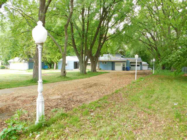 2354 S Ridge Road, Green Bay, WI 54304 (#50186065) :: Todd Wiese Homeselling System, Inc.