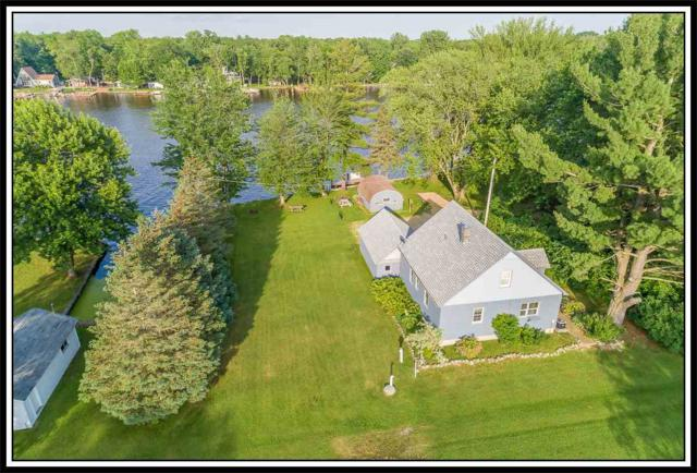 8692 River Trail Drive, Fremont, WI 54940 (#50186066) :: Dallaire Realty