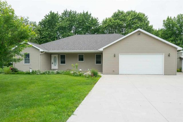 6707 Frontier Road, Winneconne, WI 54986 (#50186073) :: Todd Wiese Homeselling System, Inc.
