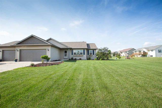 W6220 Sherwood Point Court, Greenville, WI 54942 (#50186102) :: Dallaire Realty