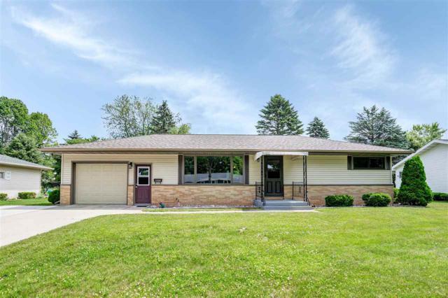 1208 2ND Street, Kewaunee, WI 54216 (#50186569) :: Todd Wiese Homeselling System, Inc.