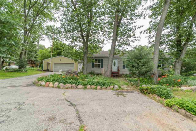 9536 Hopi Lane, Fremont, WI 54940 (#50186600) :: Todd Wiese Homeselling System, Inc.