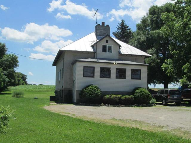 W4003 Hwy E, Cecil, WI 54111 (#50186840) :: Dallaire Realty