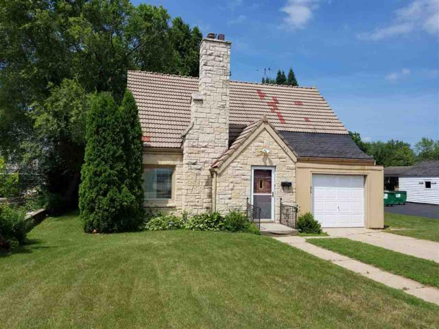 825 E Green Bay Street, Shawano, WI 54166 (#50186958) :: Todd Wiese Homeselling System, Inc.