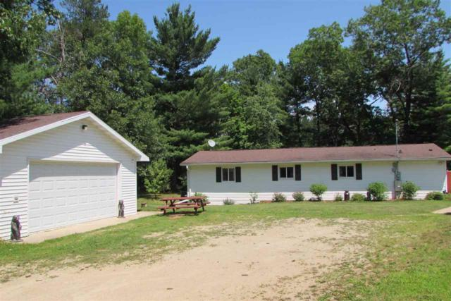 N1110 Hwy E, Waupaca, WI 54981 (#50187016) :: Dallaire Realty