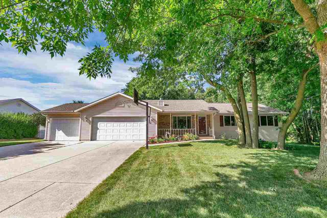 120 Woodview Lane, Luxemburg, WI 54217 (#50187088) :: Todd Wiese Homeselling System, Inc.