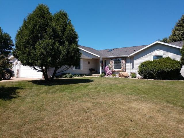 1526 Foxfire Court, Waupaca, WI 54981 (#50187123) :: Todd Wiese Homeselling System, Inc.