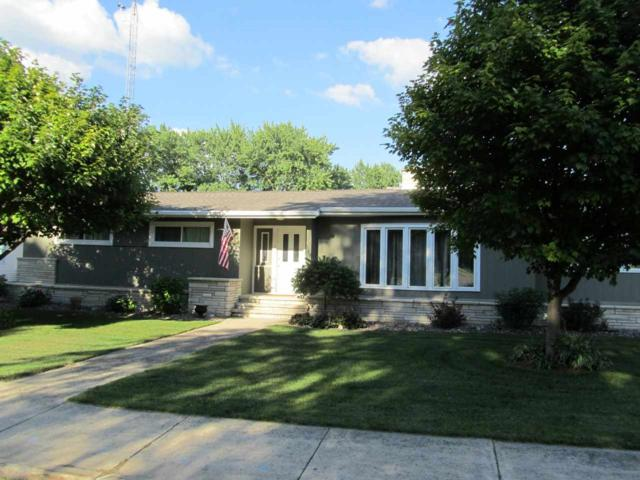 127 Carrington Street, Waupun, WI 53963 (#50187125) :: Todd Wiese Homeselling System, Inc.