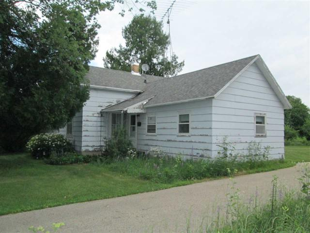 348 Sacramento Street, Berlin, WI 54923 (#50187156) :: Dallaire Realty