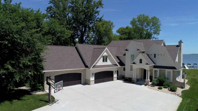 540 Sunrise Bay Road, Neenah, WI 54956 (#50187165) :: Todd Wiese Homeselling System, Inc.