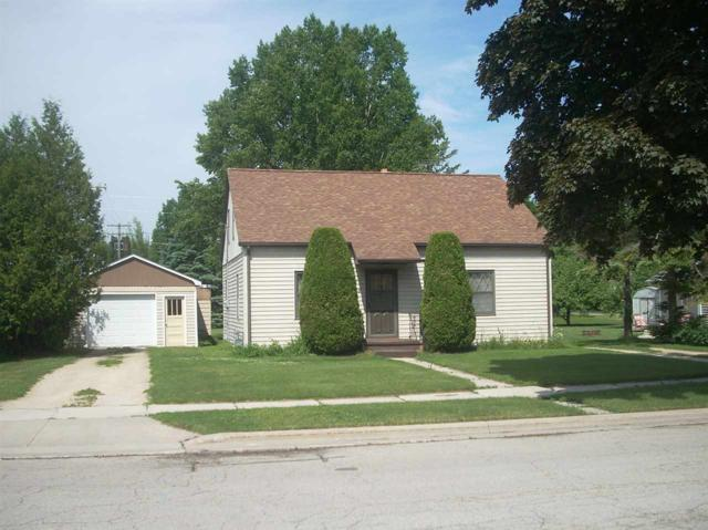 1015 Division Street, Algoma, WI 54201 (#50187235) :: Todd Wiese Homeselling System, Inc.