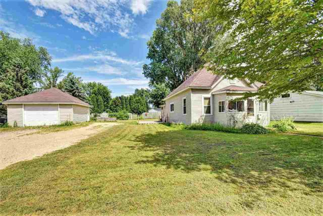 308 Lyon Street, New London, WI 54961 (#50187313) :: Todd Wiese Homeselling System, Inc.