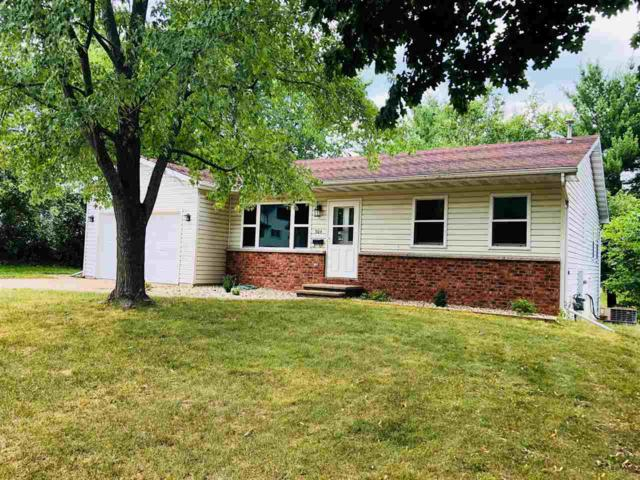 504 Center Street, Waupaca, WI 54981 (#50187320) :: Todd Wiese Homeselling System, Inc.