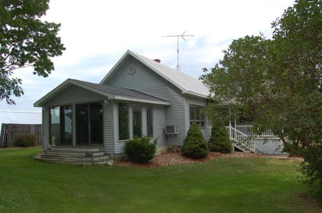 N8447 Swamp Road, Manawa, WI 54949 (#50187343) :: Symes Realty, LLC