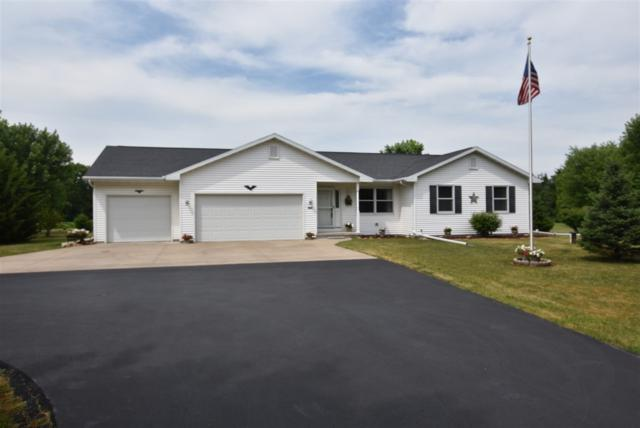 2264 Indian Point Road, Oshkosh, WI 54901 (#50187507) :: Dallaire Realty