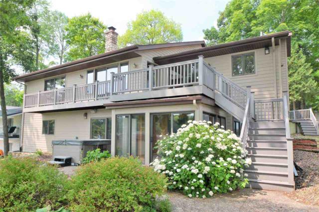 9431 S Shore Drive, Valders, WI 54245 (#50187552) :: Dallaire Realty