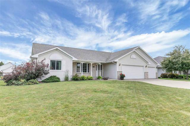 1853 Horseshoe Court, De Pere, WI 54115 (#50187573) :: Todd Wiese Homeselling System, Inc.