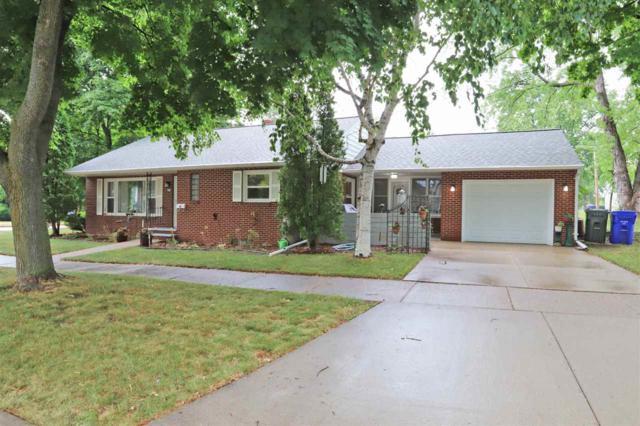 100 E 13TH Street, Kaukauna, WI 54130 (#50187598) :: Todd Wiese Homeselling System, Inc.