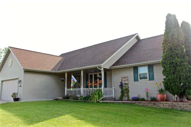 3701 East River Drive, Green Bay, WI 54301 (#50187695) :: Symes Realty, LLC