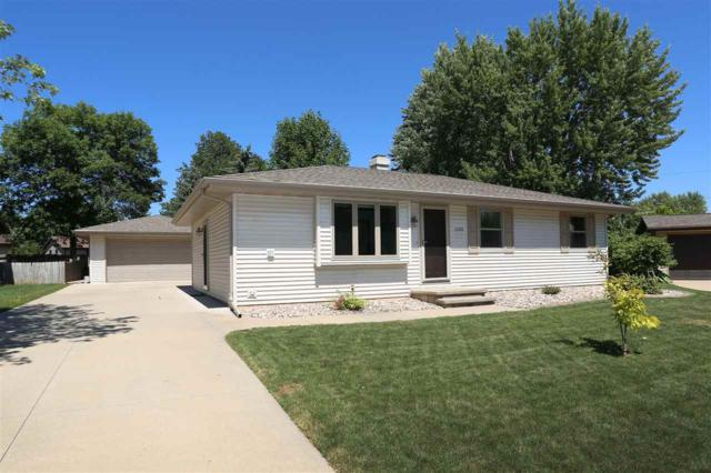 1133 Lawndale Drive, Menasha, WI 54952 (#50187706) :: Todd Wiese Homeselling System, Inc.