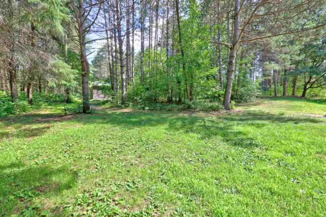 E8430 Timber Lane, New London, WI 54961 (#50187761) :: Dallaire Realty