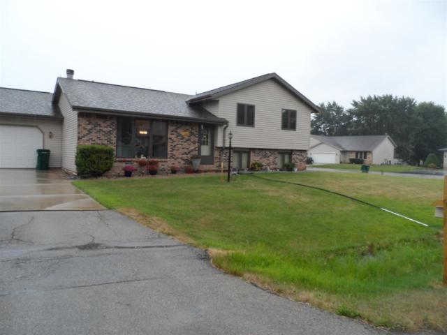 2216 Cloudveiw Court, GRAND CHUTE, WI 54914 (#50187780) :: Todd Wiese Homeselling System, Inc.