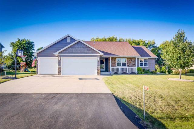 795 Sundial Lane, Neenah, WI 54956 (#50187846) :: Todd Wiese Homeselling System, Inc.