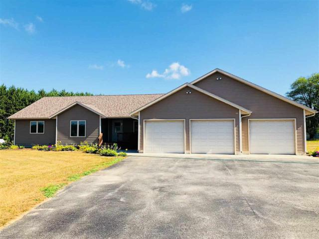 E3998 Bow And Arrow Drive, Waupaca, WI 54981 (#50187852) :: Todd Wiese Homeselling System, Inc.
