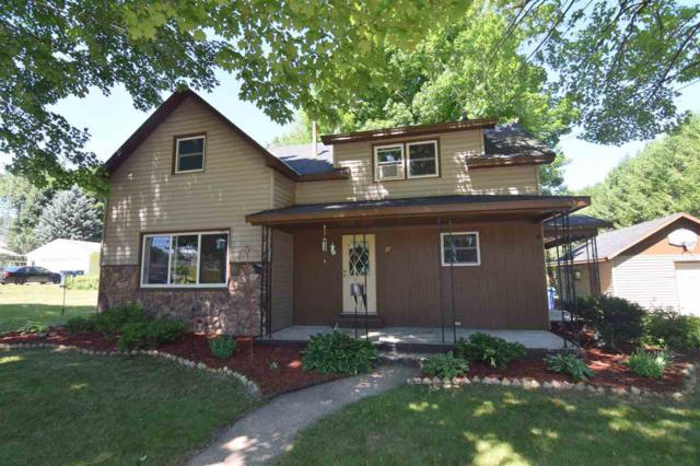 37 Folkman Street, Clintonville, WI 54929 (#50187862) :: Todd Wiese Homeselling System, Inc.