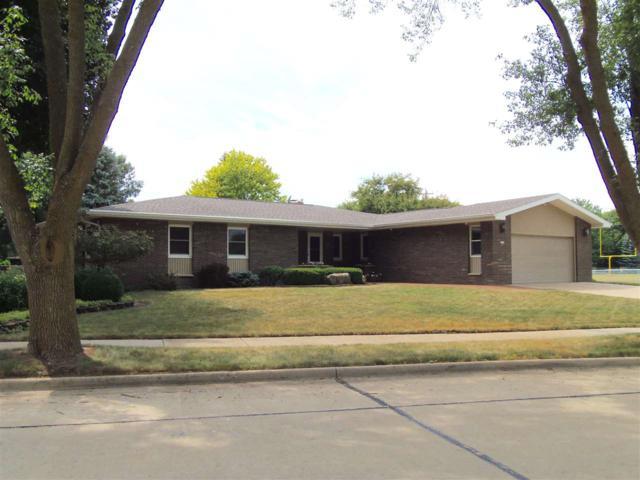 2005 Beech Street, Oshkosh, WI 54901 (#50187894) :: Todd Wiese Homeselling System, Inc.