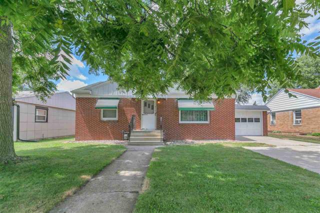 318 Bellevue Street, Green Bay, WI 54302 (#50187900) :: Todd Wiese Homeselling System, Inc.