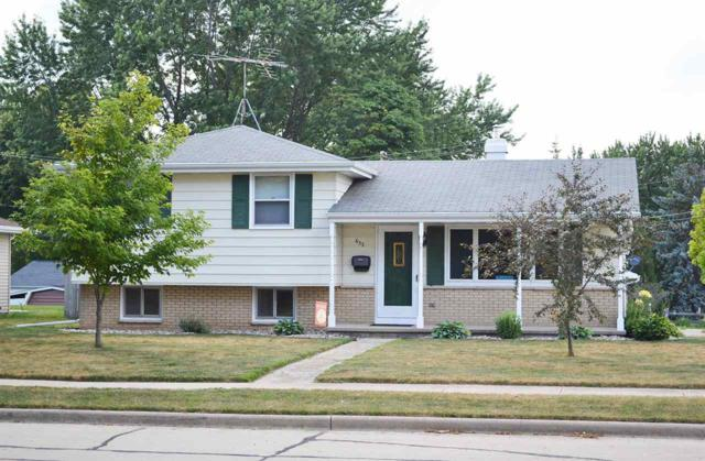 633 Walter Street, Kaukauna, WI 54130 (#50187901) :: Todd Wiese Homeselling System, Inc.