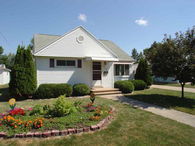 926 Caroline Street, Neenah, WI 54956 (#50187999) :: Todd Wiese Homeselling System, Inc.
