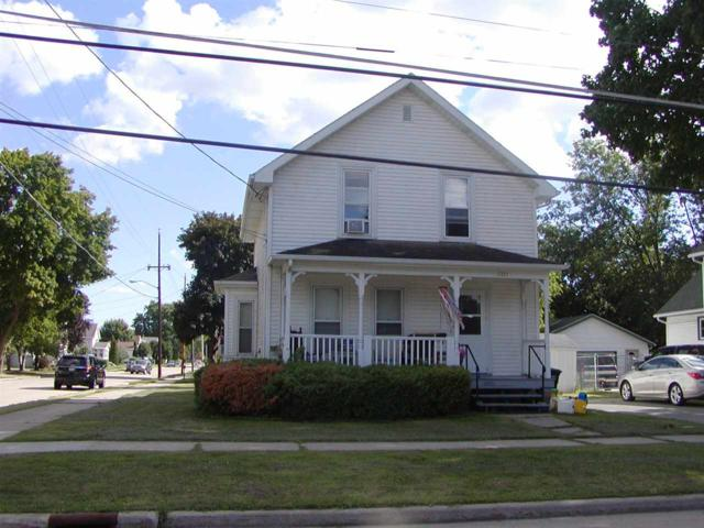 1203 W Bent Avenue, Oshkosh, WI 54901 (#50188008) :: Todd Wiese Homeselling System, Inc.