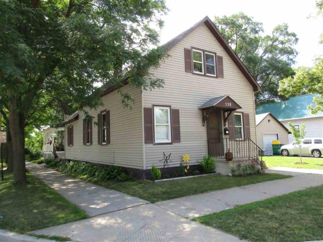 528 N Irwin Avenue, Green Bay, WI 54302 (#50188011) :: Todd Wiese Homeselling System, Inc.