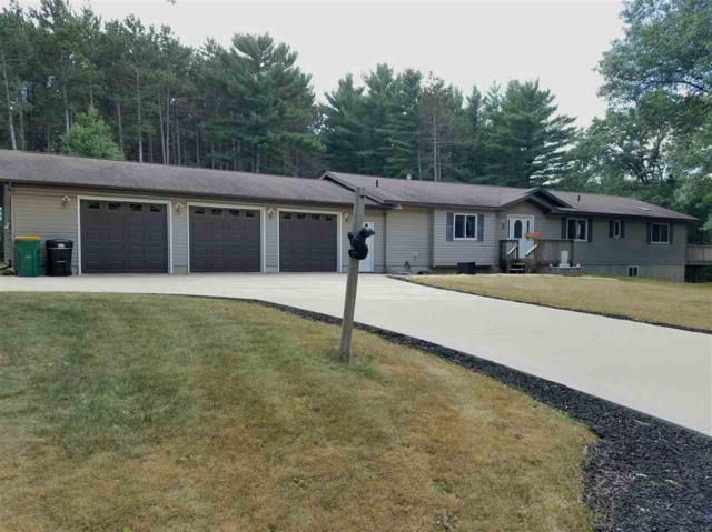 E738 Berkshire Lane, Waupaca, WI 54981 (#50188024) :: Dallaire Realty
