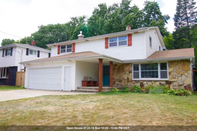 124 Crestview Drive, Appleton, WI 54915 (#50188026) :: Todd Wiese Homeselling System, Inc.