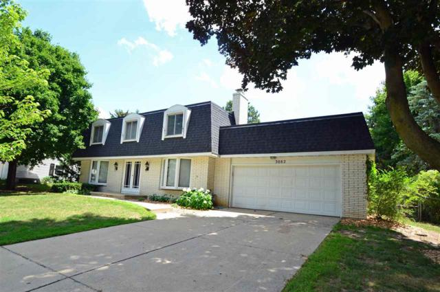 3082 St Gregory Drive, Green Bay, WI 54311 (#50188052) :: Todd Wiese Homeselling System, Inc.